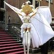 Spectaculaire Steltloopact Huren Festival