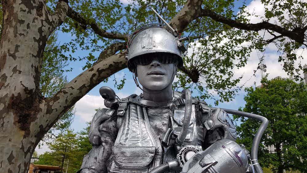 boka levande staty