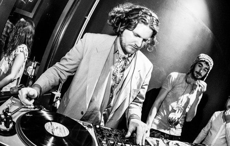 vinyl.dj-vintage-boka-fest.jpg