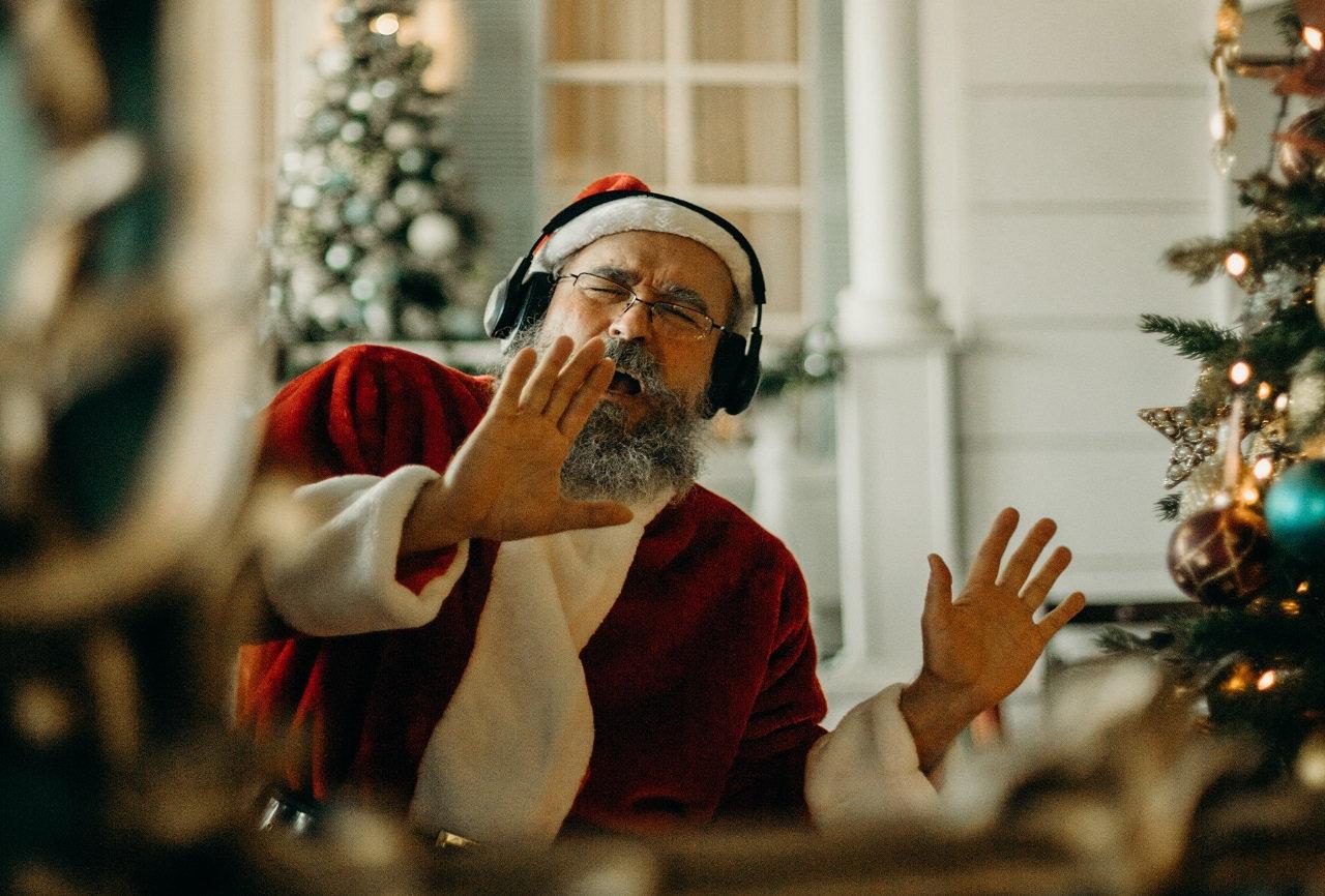 Santa dancing.jpg