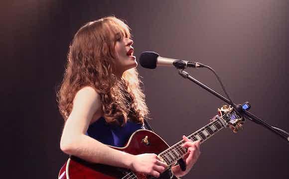 Sarah_Munro_Singer-songwriter_Live_2_crop.jpg