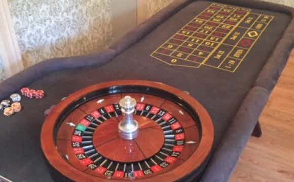 roulette-table-for-event.jpeg