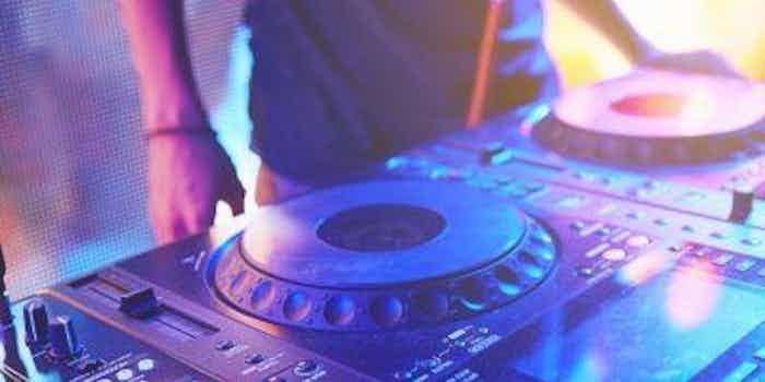 dj-mixtafel-club (640x427).jpg