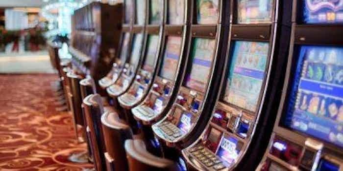 extra-service-casino.jpg
